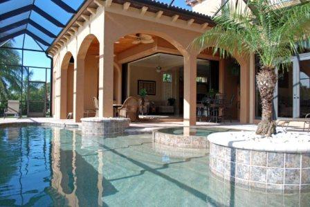 Diese Ferienvilla lässt keine Wünsche offen! Für bis zu 10 Personen ist diese Villa ausgelegt, über 2 Etagen verfügt es über 5 Schlafzimmer und 6 Bäder. Ein großzügiges Wohnzimmer ...